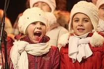 Česko zpívá koledy startuje ve středu 10. prosince v 18 hodin.