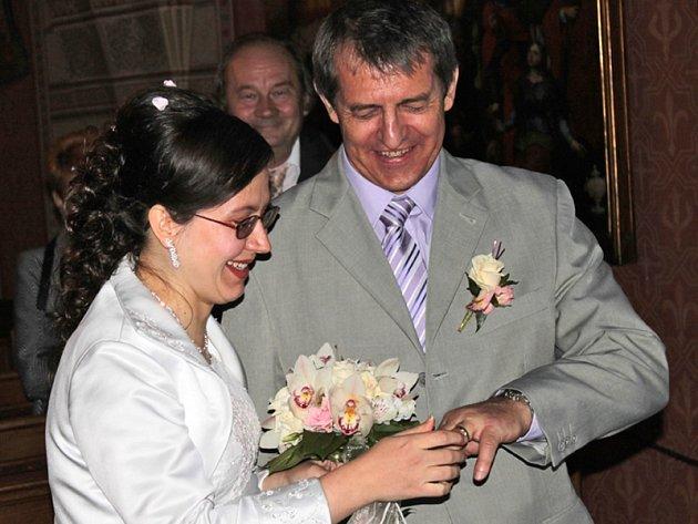 Sobotní velký den pro novomanžele Zdeňku Šebestovou a Zdeňka Hanzálka na Konopišti.