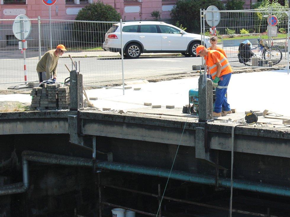 Opravy mostu. Ilustrační foto.