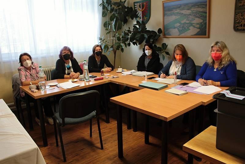 Volby v Olbramovicích.