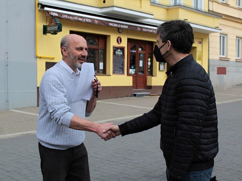 Z demonstrace 'Hrad za hranou, republika v ohrožení' na Masarykově náměstí v Benešově.
