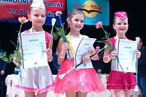 Rozálie Zavřelová z Benešova je nejlepší minimažoretka v Čechách. Ve svém věku tak docílila nejvyššího možného úspěchu.