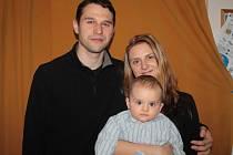 S malým Ondřejem je na mateřské dovolené táta.