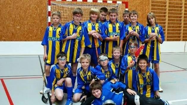 Mladší žáci SK Florbal Benešov B si ze dvou přeborových zápasů připsali na své konto jednu výhru nad Sokolem Kobylisy