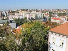 Panelové sídliště v Benešově od Karlova.