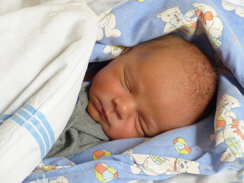 Josef Sivák se narodil 16. dubna 2021 v kolínské porodnici,  vážil 3220 g a měřil 50 cm. V Kolíně bude vyrůstat s maminkou Nikolou a tatínkem Josefem.