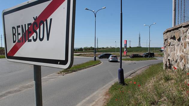 Stavba turbokřižovatky na Červených Vršcích v Benešově začne podle investora, ŘSD, ve středu 20. května 2020. Hotovo má být za 4,5 měsíce.