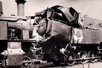 Devět mrtvých, včetně strojvedoucího Havlína, zůstalo na místě srážky osobních vlaků. Desátá oběť, topič Mareš z Vlašimi, zemřel druhý den v benešovské nemocnici. Děda Františka Houdka se vyskočením z mašiny zachránil.