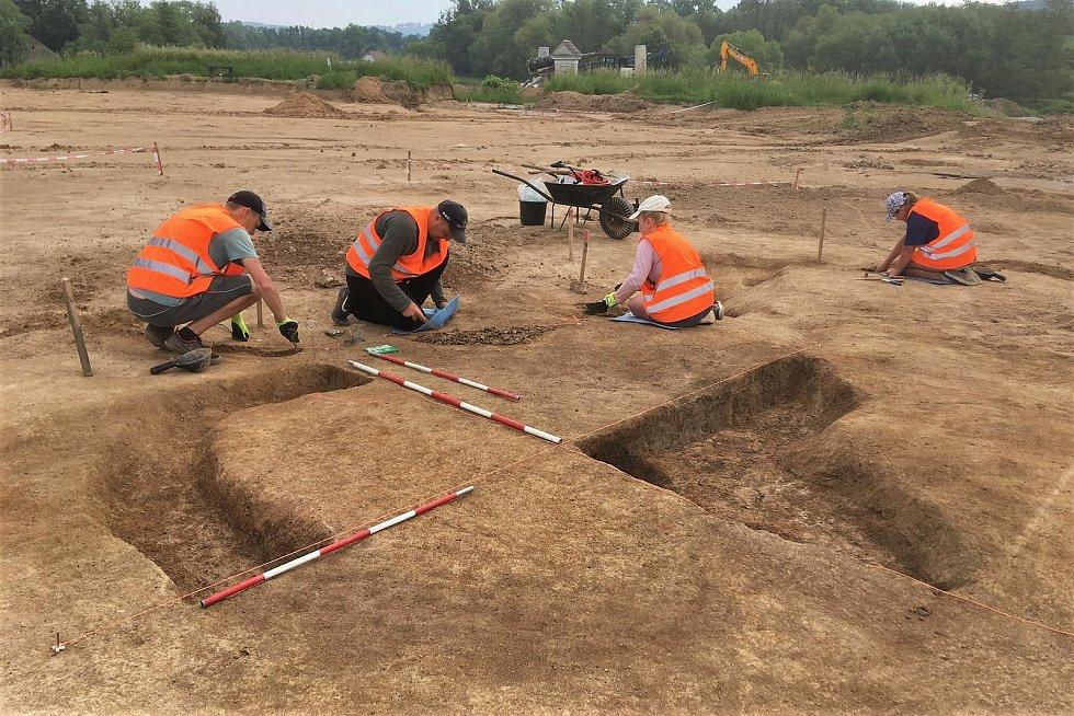 Archeologové u Olbramovic.
