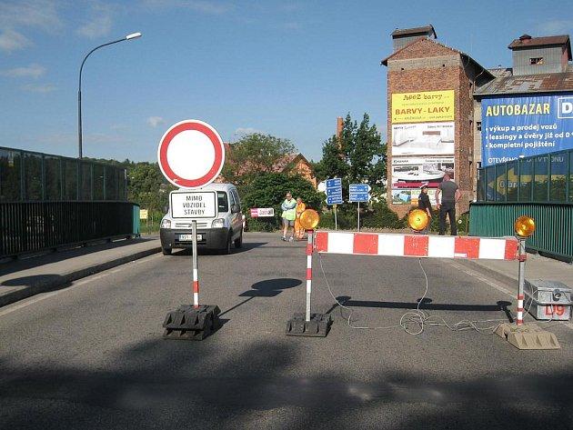 Uzavírka silnice v Benešově