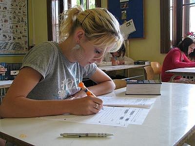 První státní maturity skončily. Výsledky odpovídají očekávání pedagogů.