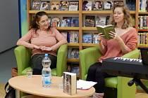 Večer sprozaičkou a koncertní pěvkyní Olgou Annou Markowitz a herečkou Annou Kulovanou v Městské knihovně vBenešově.