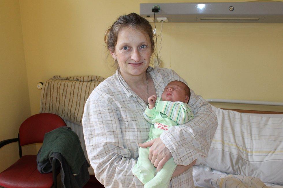 Tereza Jurková se narodila 21. března v 9.54, kdy měla 3630 gramů a 49 centimetrů. Rodiče Veronika Vobrubová a Matuš Jurko si Terezku odvezou domů do Votic, kde čeká Nicola (16) a Milan (11).
