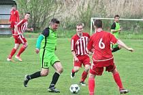 Z utkání okresního přeboru Maršovice (v zeleném) - Chotýšany (0:1).