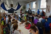 Setkání školáků na bystřické radnici.