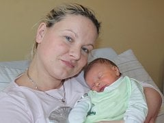 Prvorozeným synem Veroniky Vrbovcové a Petra Fogla ze Psár se 18. března v 11.55 stal malý Jakub. Sestřičky v porodnici mu při příchodu na svět navážily 3,50 kilogramu a naměřily 52 centimetrů.