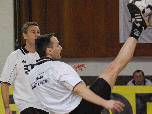 OPORA extraligového družstva Šacungu Benešov Petr Stejskal si v barvách ITD Sportu na pražské Poslední smeči zahrál semifinále.