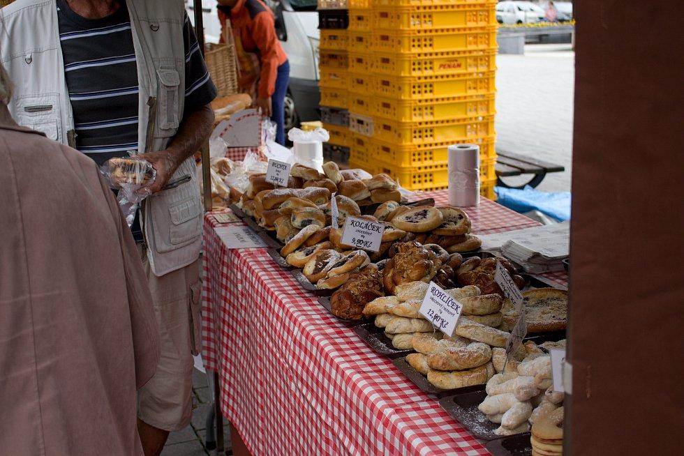Na farmářském trhu, který byl posvícenský, si příchozí nakoupili různorodé zboží.