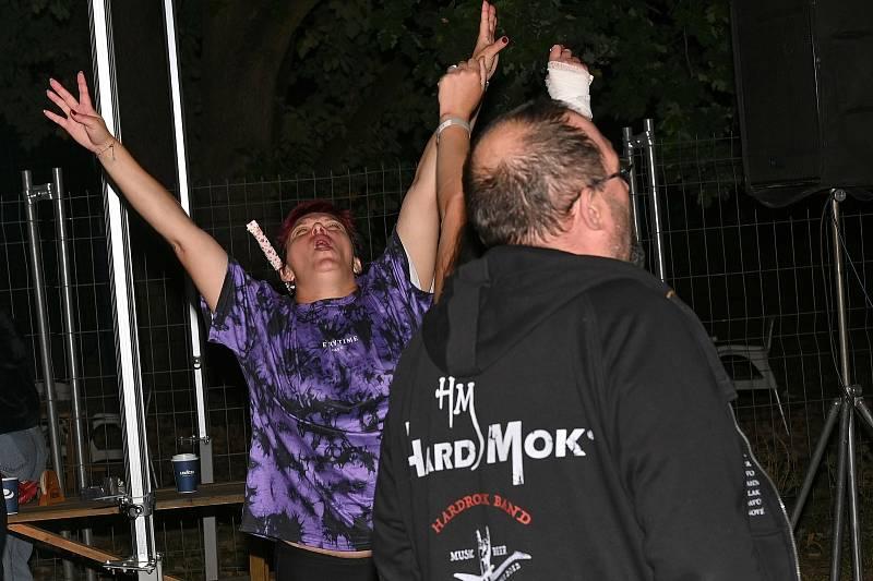 Ze zakončení léta ve Vlašimi s kapelou Vořežprut.