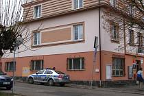 Auta se srazila v úterý 3. března kolem desáté hodiny dopoledne na křižovatce ulic Růžkova a Palachova. Kosek od pošty a služebny obvodního oddělení PČR.