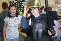Beseda školáků 1.- 5. tříd s policisty.
