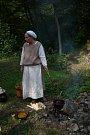 Ve Zlenicích se podhradí přeměnilo na středověkou tvrz.