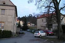 Týnecká ulice Pod Hradištěm.