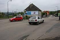Dopravní zácpy by v Benešově vyřešil kruhový objezd.