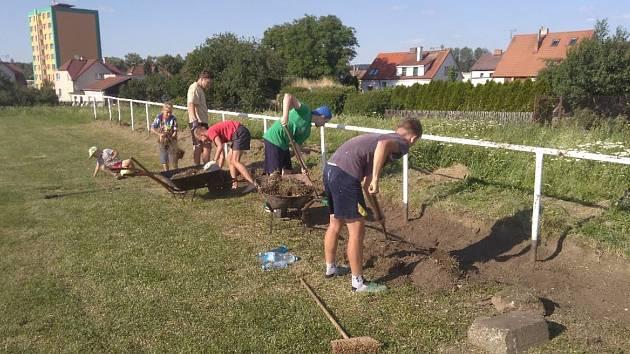 Brigáda fotbalistů SK Bystřice.