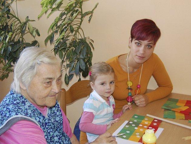 Propojení generací je další z projektů, který benešovská nemocnice aktivně podporuje.