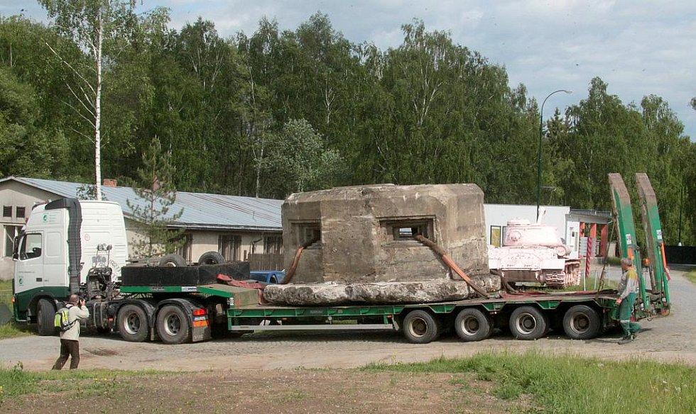 Stěhování řopíku z Mostu do Lešan.