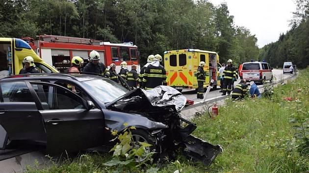 Dopravní nehoda dvou osobních vozidel v kopci za Voticemi ve směru do Tábora.