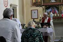 Bohoslužba ke svátku sv. Václava v kostele na Chvojně.