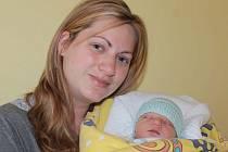 Slavnostním dnem pro Kamilu a Jaroslava Hájkovy z Křenic u Říčan je 19. duben. V 10.42 se jim narodil prvorozený syn Daniel. Při příchodu na tento svět vážil 2,95 kilogramu a měřil 50 centimetrů.