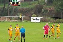 Ve 28. minutě vsítil Divišov čtvrtý gól do sítě Velkého Oseku, což ukazovala nová světelná tabule.