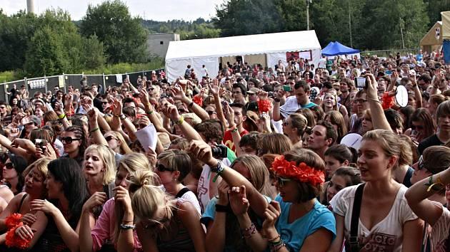 Fanoušci umí na Sázavafestu vytvořit skvělou atmosféru.