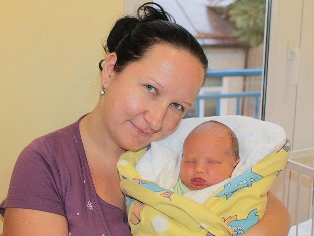 Manželé Helena a Robert Marečkovi se 19. listopadu v 22.38 stali rodiči malého Robina. Na svět přišel s váhou 3,68 kilogramu a mírou 49 centimetrů. Doma v Sedlci-Prčici má sourozence Járu (9) a Sofinku (6).