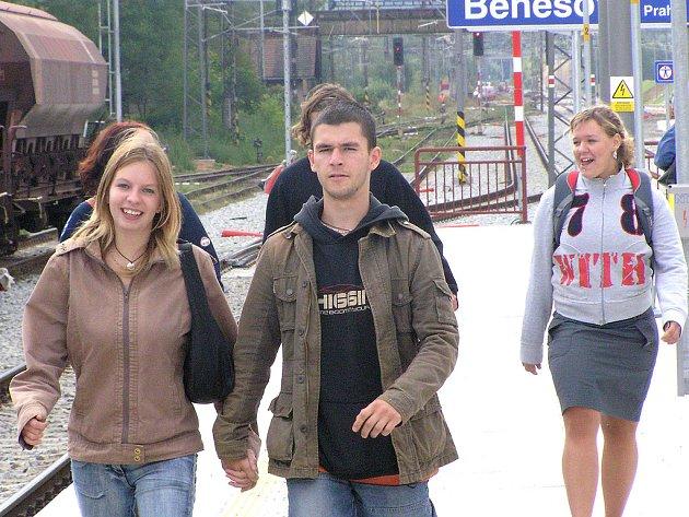 Studenti hledají svůj vlak