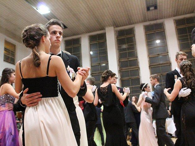 Věneček tanečního kurzu ve Vlašimi se konal v sobotu 9. prosince.