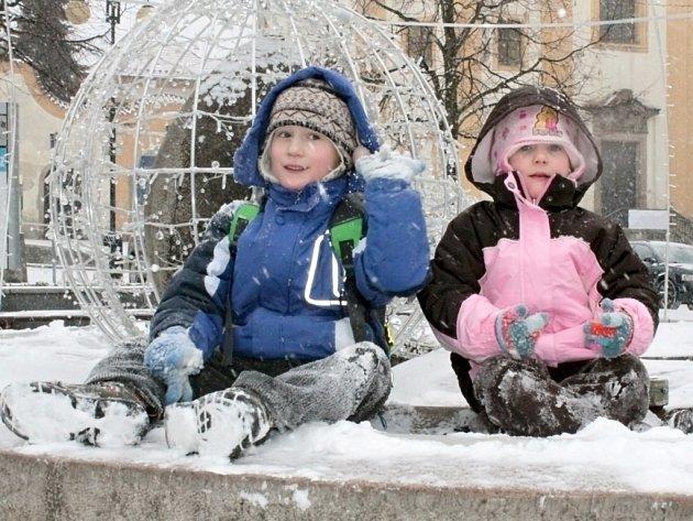 Radost Lukáše a Lucky z prvního letošního sněhu.