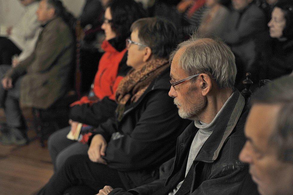 Pražský smíšený komorní sbor vystoupil u příležitosti státního svátku v Sázavě.