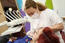 Nové pacienty přibírají především začínající zubaři.