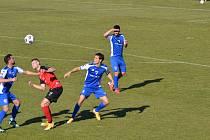 Souboj o míč v zápase Vlašim - Táborsko
