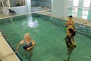 Haně Mečířové se splnilo přání. V sedmdesáti pěti letech si po dlouhé době zaplavala.