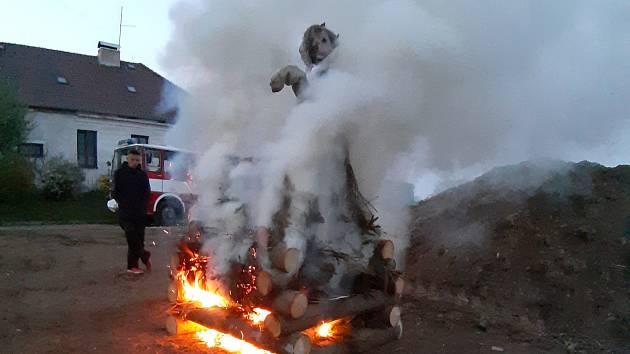 Pálení čarodějnic v Keblově.