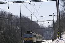 Archivní foto žst. Střezimíř z 24. března 2006.