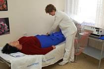 Ilustrační foto: Rehabilitační oddělení má od tohoto měsíce novou službu pro pacinety s mírnějšími obtížemi. Placené masáže