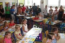Začátek školního roku v prvních třídách ZŠ Dukelská, kterých je letos pět.