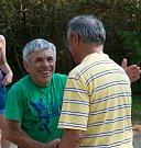 Účastníky srazu při příjezdu vítá starosta Miroslav ŠIška.
