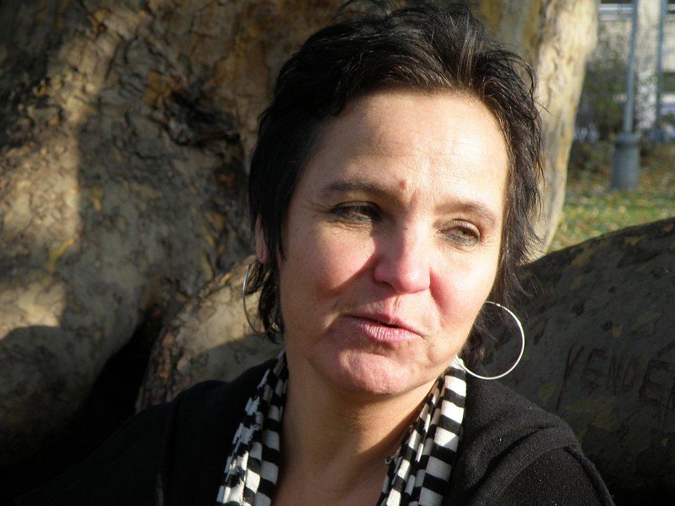 Mezi účastníky mezinárodního festivalu den poezie patřila i Sylva Fischerova.